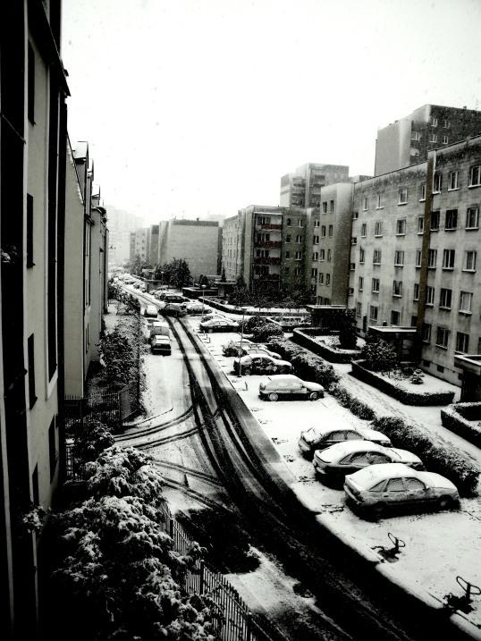 salju pertama